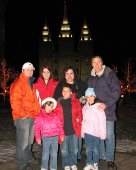Family_at_slc_temple_1206_1